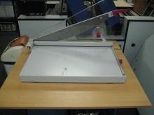 mechanické nůžky pro stříhání SMT plechů