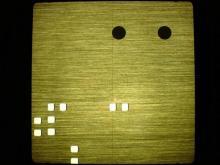 detail černěných značek pro naváděcí laser